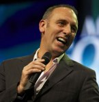 249263-hillsong-pastor-brian-houston-wins-converts